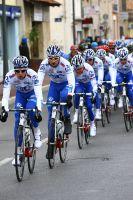 Les coureurs de l'équipe FDJ-BigMat emmènent Pierrick Fédrigo