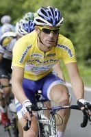 Jimmy Engoulvent porte bien le maillot jaune du Tour de Luxembourg