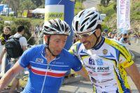 Lionel Ipert félicite Ernesto Mendoza