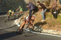 Dans la descente du Poggio, Fabian Cancellara se livre sans compter