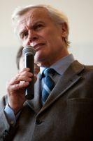 Roland Catin, PDG de Time, énumère les différents composants du vélo 2012