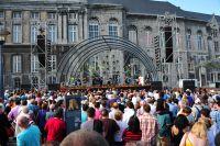 La cérémonie de présentation des équipes du Tour de France sur la Place Saint-Lambert