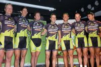 L'équipe Multivan Merida Biking Team au complet