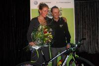 Les deux leaders du Multivan Merida Biking Team : José-Antonio Hermida et Gunn Rita Dahle dont c'était l'anniversaire
