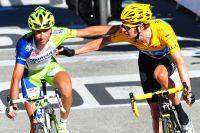 Congratulations entre Vincenzo Nibali et Bradley Wiggins