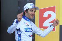 Thibaut Pinot monte sur le podium du Tour, il a gagné son étape