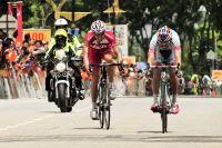 Darren Lapthorne et José Serpa se battent au sprint