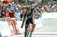 Alejandro Valverde lève un bras et reprend goût à la victoire