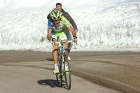 Dans la neige, Vincenzo Nibali fait la différence sur le groupe des favoris