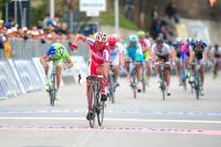 Joaquim Rodriguez précède un peloton réglé par Vincenzo Nibali à Offida