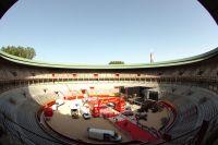 La Plaza del Toros de Pampelune accueille l'arrivée de la 1ère étape