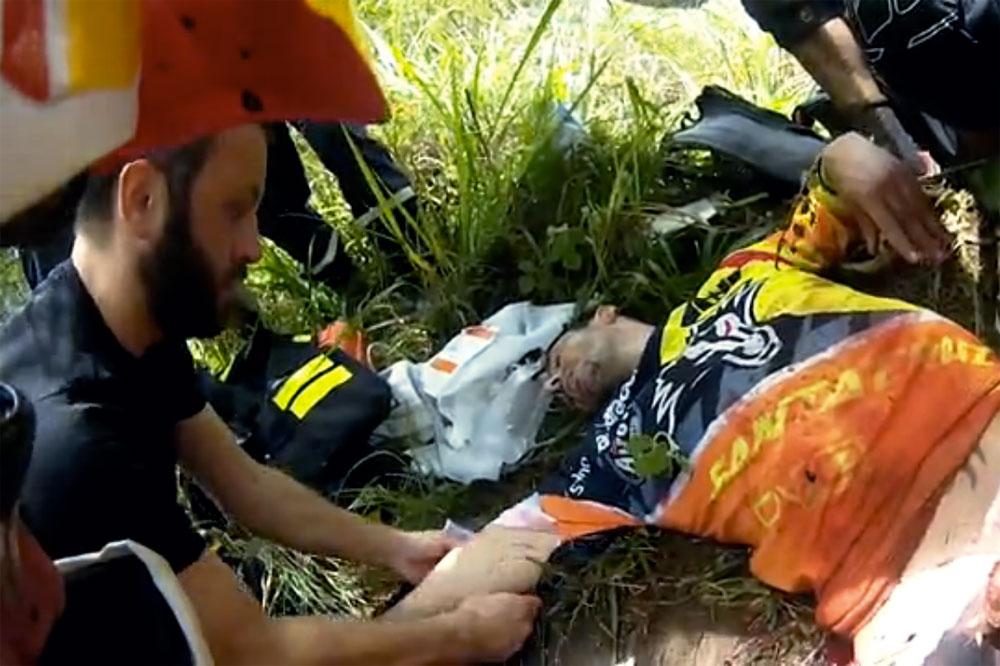Cédric Gracia est pris en charge par les pompiers