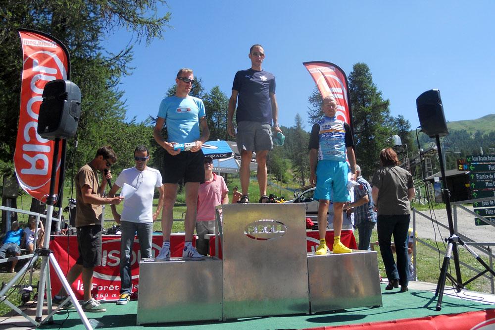 Le podium de la catégorie D avec David De Vecchi 1er