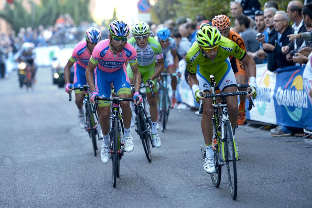 Davide Villella sans complexe auprès de Diego Ulissi au Tour d'Emilie