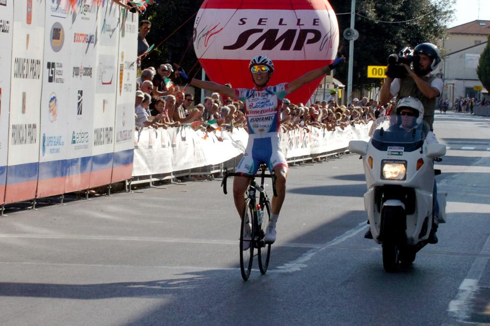 Gianfranco Zilioli démarre sa carrière de la meilleure des manières