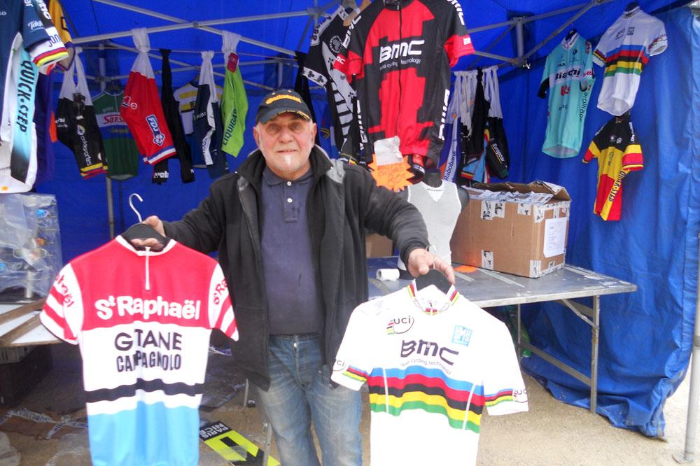 L'incontournable Gianni Marcarini et ses célèbres maillots réplicas