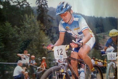 Jean-Christophe Savignoni avec le maillot de l'équipe de France