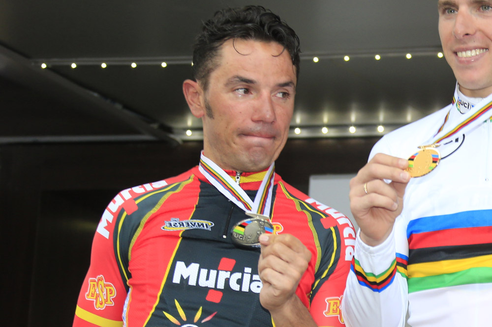 Joaquim Rodriguez en pleurs sur le podium de Florence