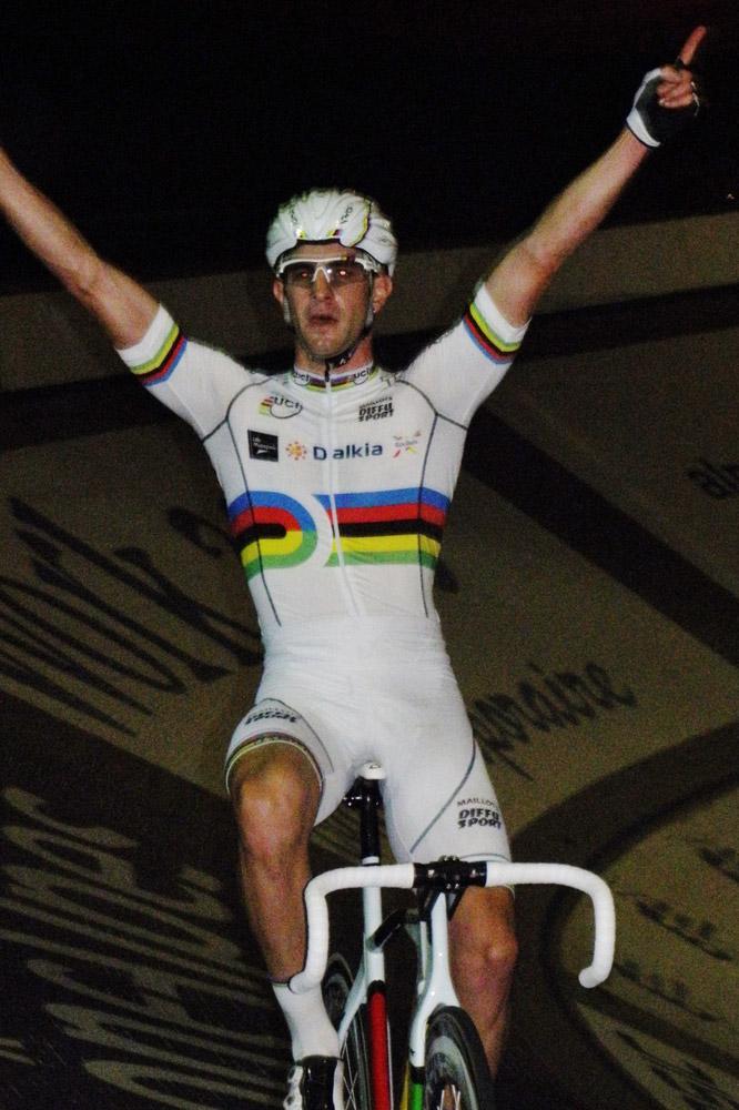 La joie du champion du monde Morgan Kneisky