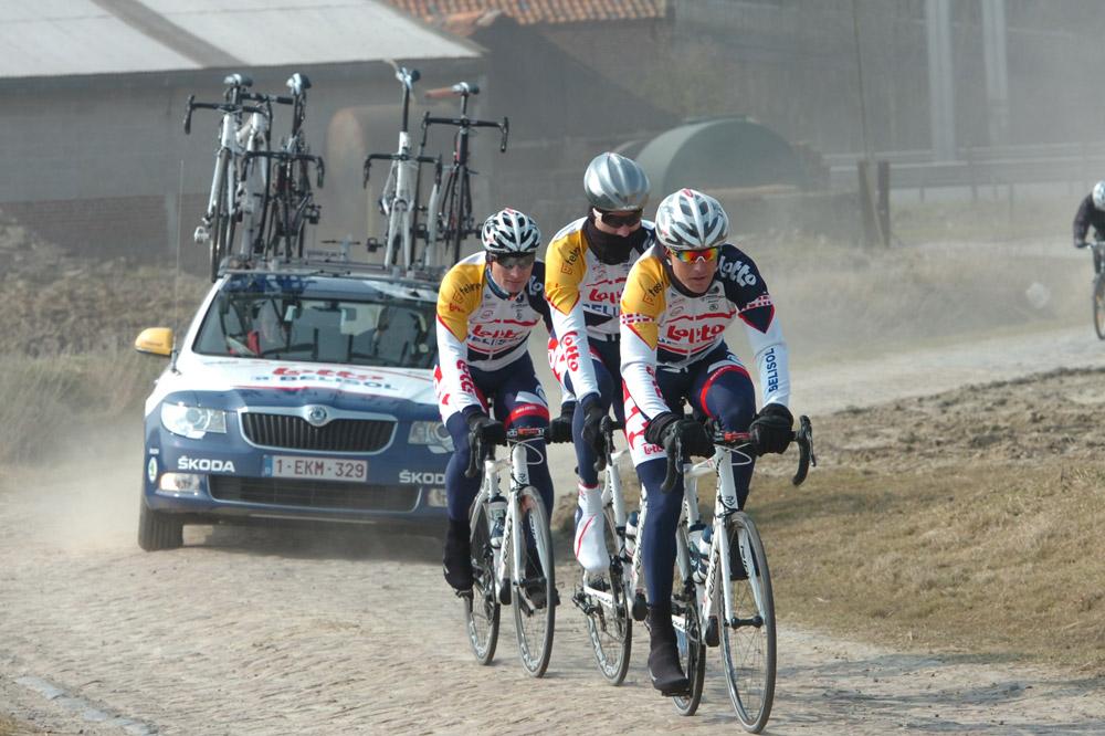 L'équipe Lotto-Belisol sur les pavés