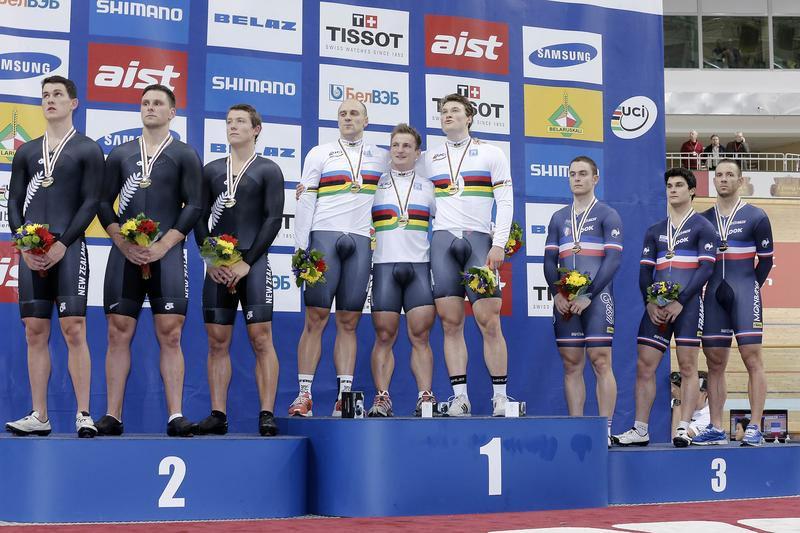 Le podium des Championnats du Monde de vitesse par équipes à Minsk