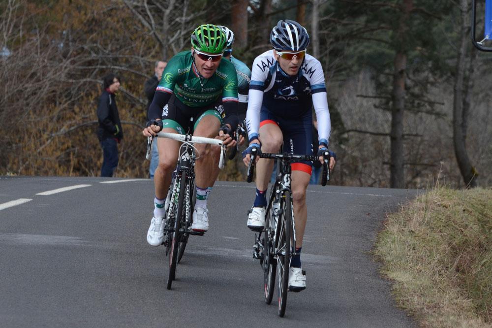 Thomas Voeckler et Johann Tschopp animent la course