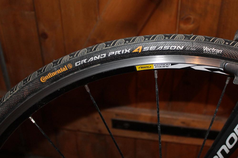 Les pneus Continental Grand Prix 4 Season