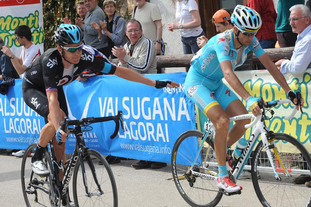 Bradley Wiggins félicite Vincenzo Nibali