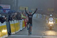 Froome prend date