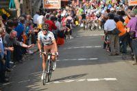 Passé à l'attaque au pied du Mur de Huy, Carlos-Alberto Betancur creuse un bel écart