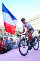 Domenico Pozzovivo brandit le drapeau français