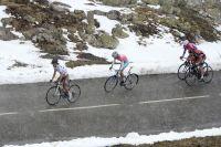 Carlos Betancur accélère, Vincenzo Nibali et Cadel Evans réagissent