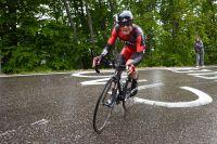 Cadel Evans en souffrance dans la montée vers Polsa