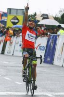 Julian-David Arredondo passe la ligne en vainqueur