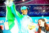 Vincenzo Nibali porte haut les couleurs du drapeau italien