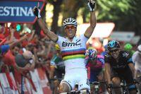 Philippe Gilbert s'impose enfin avec le maillot arc-en-ciel sur le dos