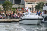 Sur le quai, les Lampre-Merida s'apprêtent à embarquer