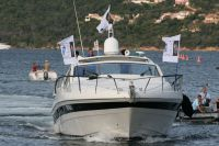 Un bateau affrêté pour les coureurs du Tour