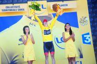 Jan Bakelants n'en revient pas, il porte le maillot jaune