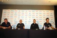 Les têtes d'affiche du Tour Down Under réunies derrière le micro