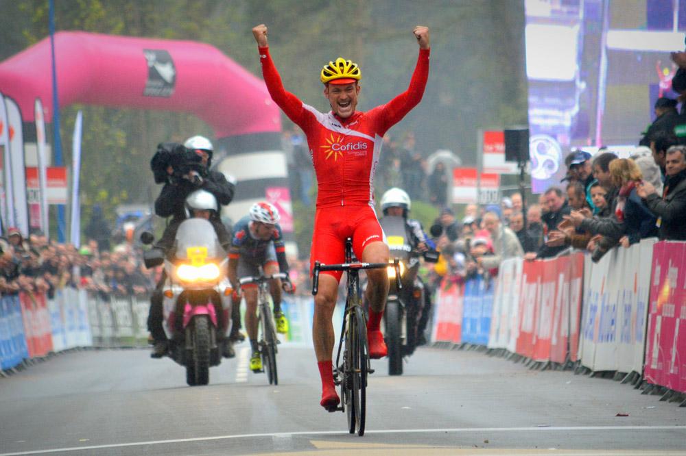 Adrien Petit remporte en costaud le Tro Bro Léon