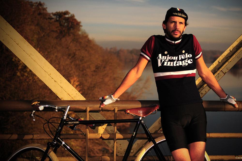 le maillot collector de l'Anjou Vélo Vintage