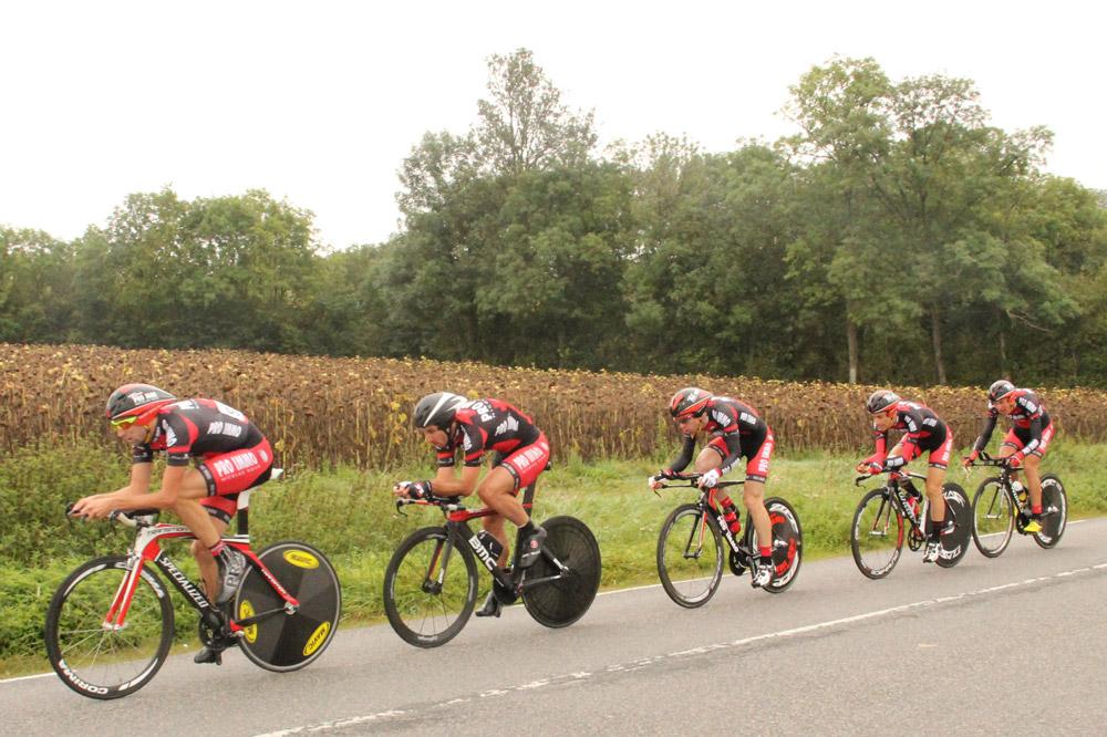 Le Team Pro Immo Nicolas Roux dans l'exercice chronométré