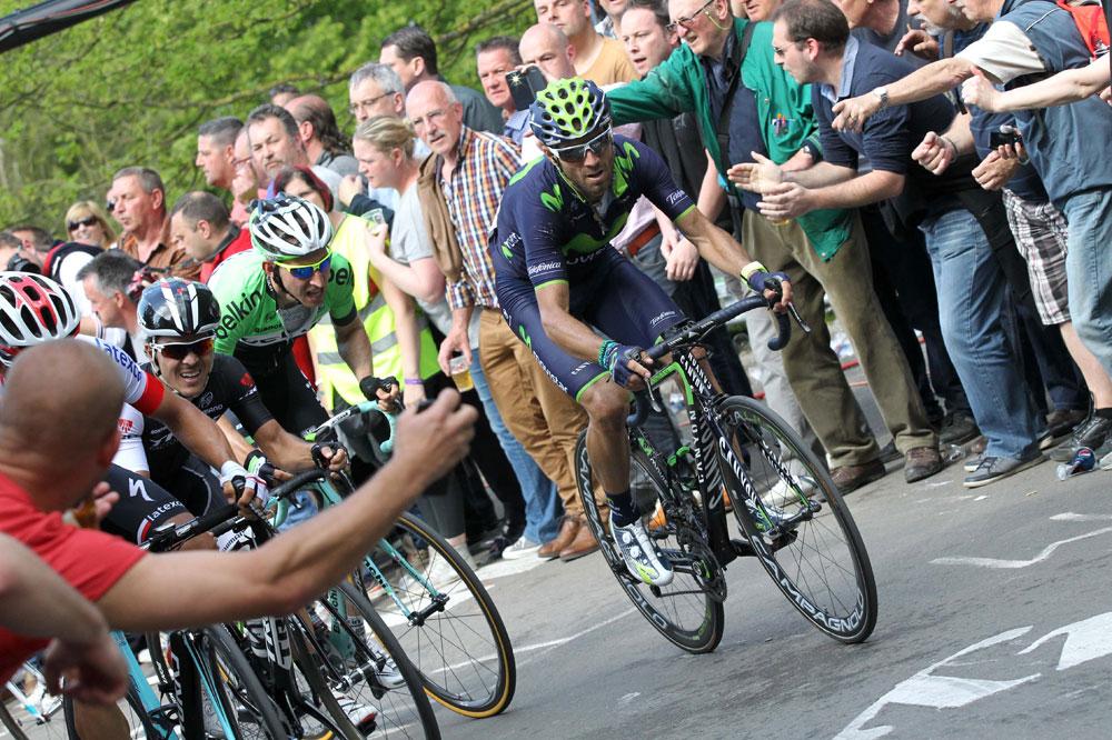Alejandro Valverde à l'affût dans le Mur de Huy