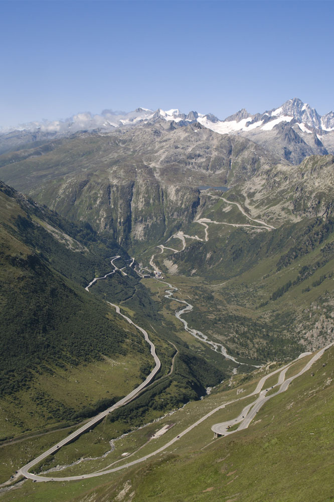 Le Furkapass, dans les Alpes Suisses