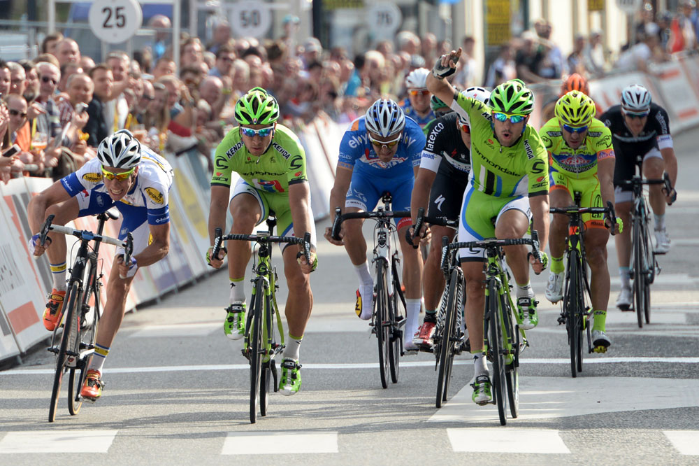Le coup de frein de Peter Sagan n'a pas suffi, Oscar Gatto termine 2ème