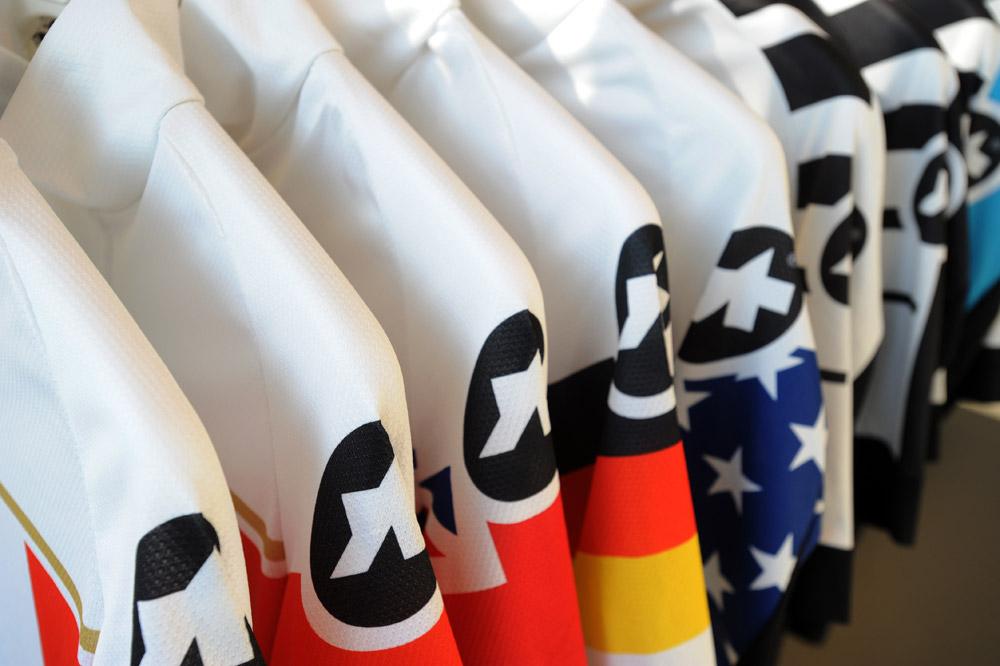 La nouvelle gamme de maillots Assos