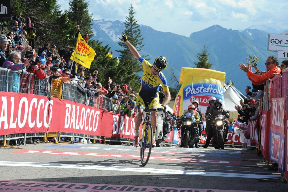 Michael Rogers remporte une étape de légende au sommet du Monte Zoncolan