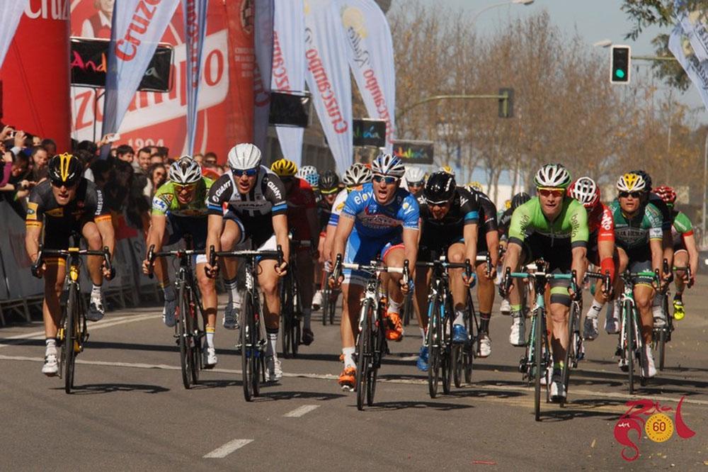 Roy Jans se croit vainqueur mais Gerald Ciolek tout à gauche est le véritable lauréat