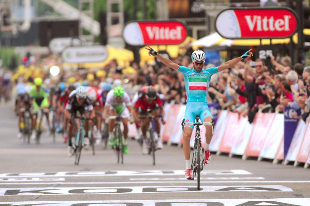 Vincenzo Nibali gagne à Sheffield